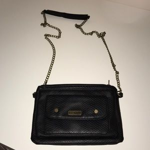 Roxy chain crossbody bag
